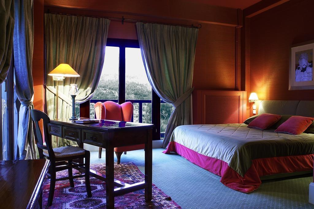 Country Club Hotel & Suites - Καρπενήσι ✦ -50%