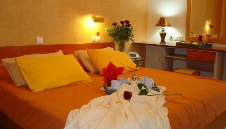 4* Mantas Hotel - Λουτράκι ✦ -30% ✦ 2 Ημέρες (1 Διανυκτέρευση)