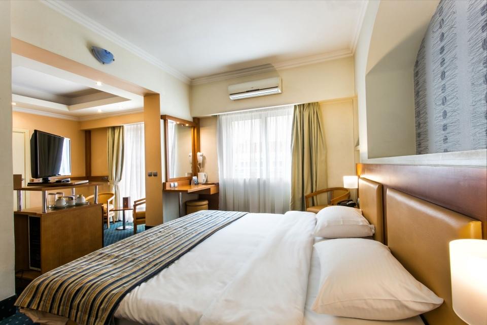4* Athens Cypria Hotel - Αθήνα ✦ 2 Ημέρες (1 Διανυκτέρευση)