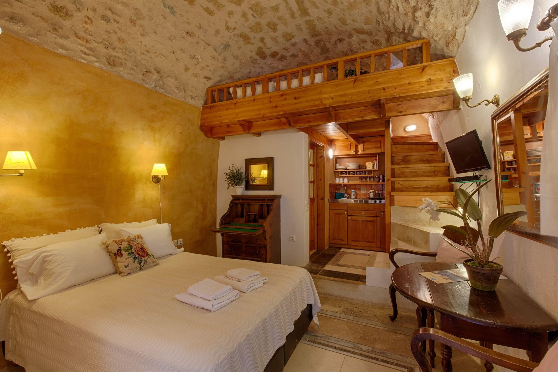 Dorovinis Monemvasia Castlehouses - Μονεμβασιά ✦ 3