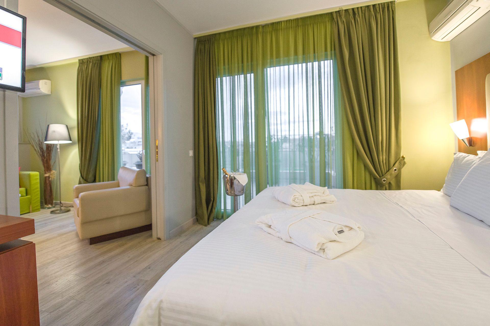 4* Polis Grand Hotel - Αθήνα ✦ 2 Ημέρες (1 Διανυκτέρευση)