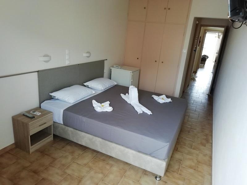 Golden Star Hotel - Αίγινα ✦ -40% ✦ 3 Ημέρες (2 Διανυκτερεύσεις)