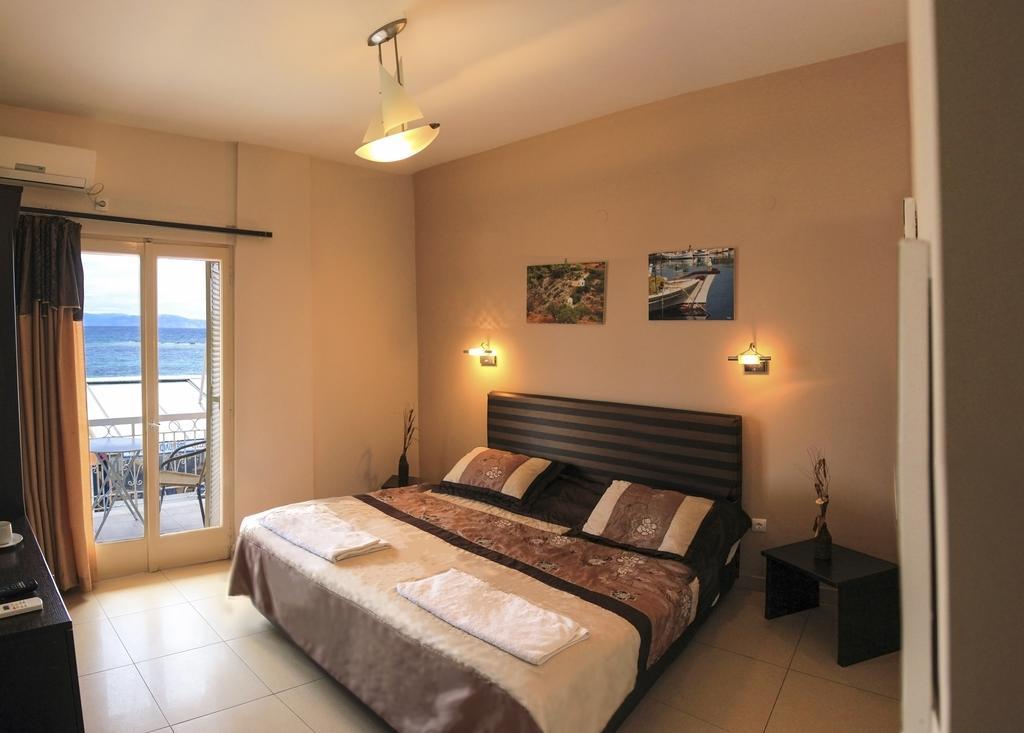 Plaza Hotel - Αίγινα ✦ -30% ✦ 2 Ημέρες (1 Διανυκτέρευση)