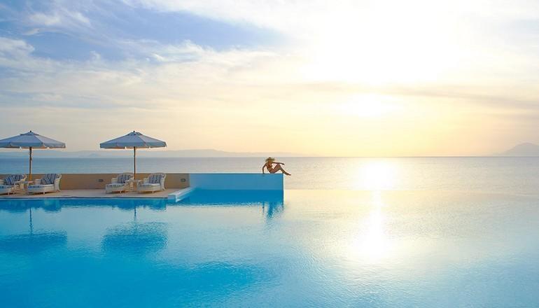 5* Grecotel La Riviera & Aqua Park - Κυλλήνη ✦