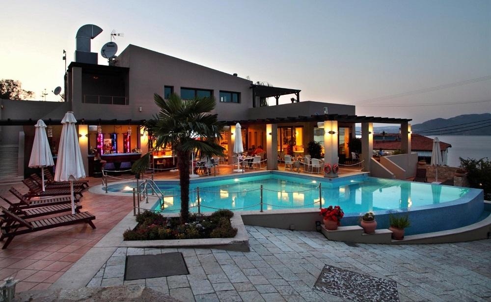 Tesoro Hotel - Λευκάδα ✦ -52% ✦ 4 Ημέρες (3 Διανυκτερεύσεις)