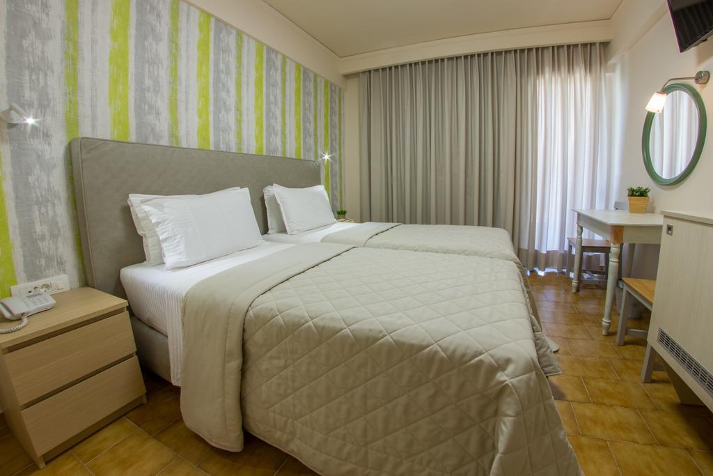 Pitsakis Hotel - Τολό ✦ 2 Ημέρες (1 Διανυκτέρευση)