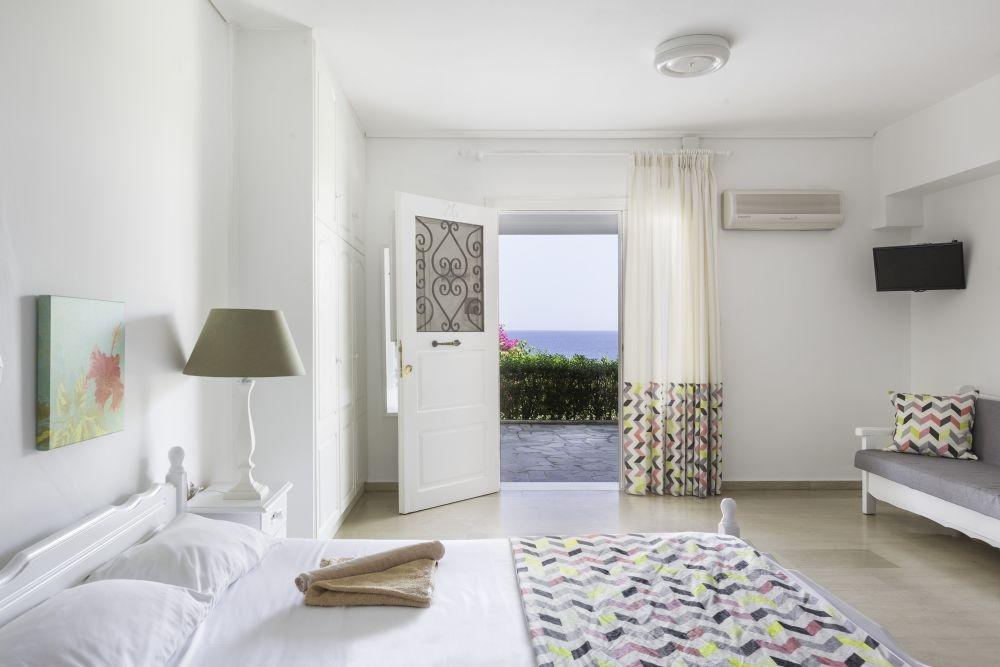 Douka Sea Front Residencies - Πόρι, Μονεμβασιά ✦ 2