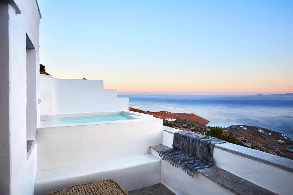Living Theros Luxury Suites- Καρδιανή, Τήνος ✦ 3 Ημέρες
