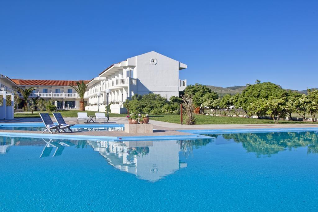 Mrs. Chryssana Beach Hotel - Κολυμβάρι, Χανιά ✦ 2 Ημέρες