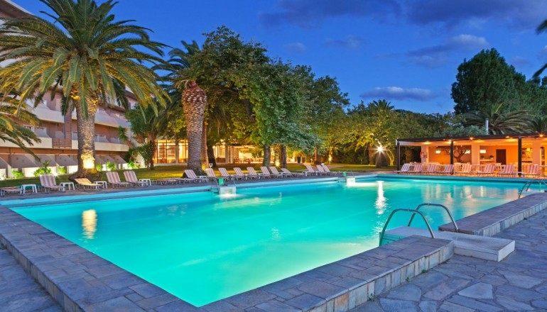 4* Long Beach Resort Hotel - Αίγιο ✦ -60% ✦ 6 Ημέρες