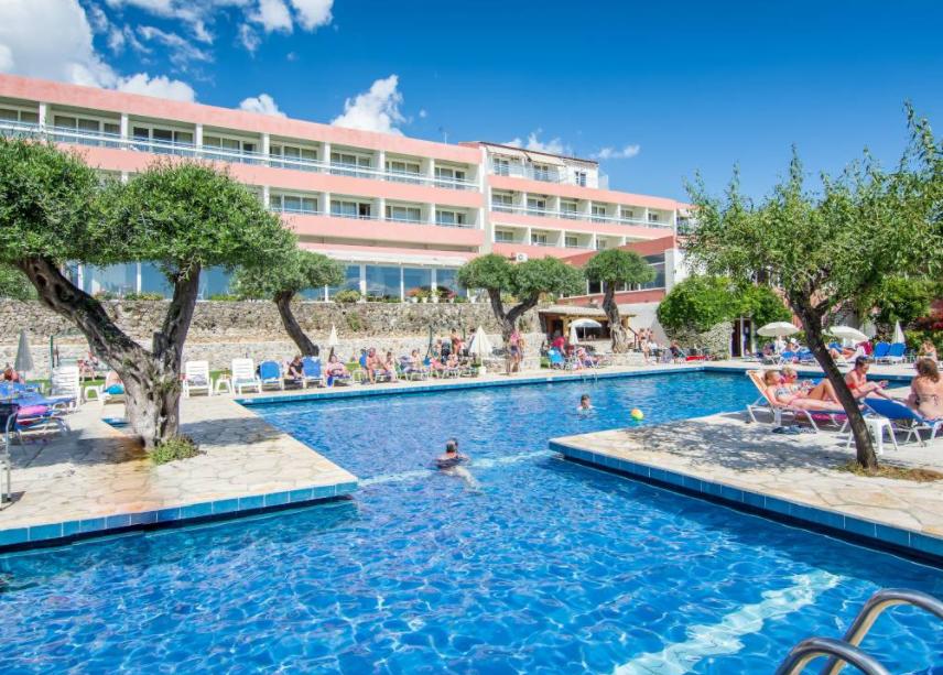 4* Alexandros Hotel - Πέραμα, Κέρκυρα ✦ -36% ✦ 4 Ημέρες