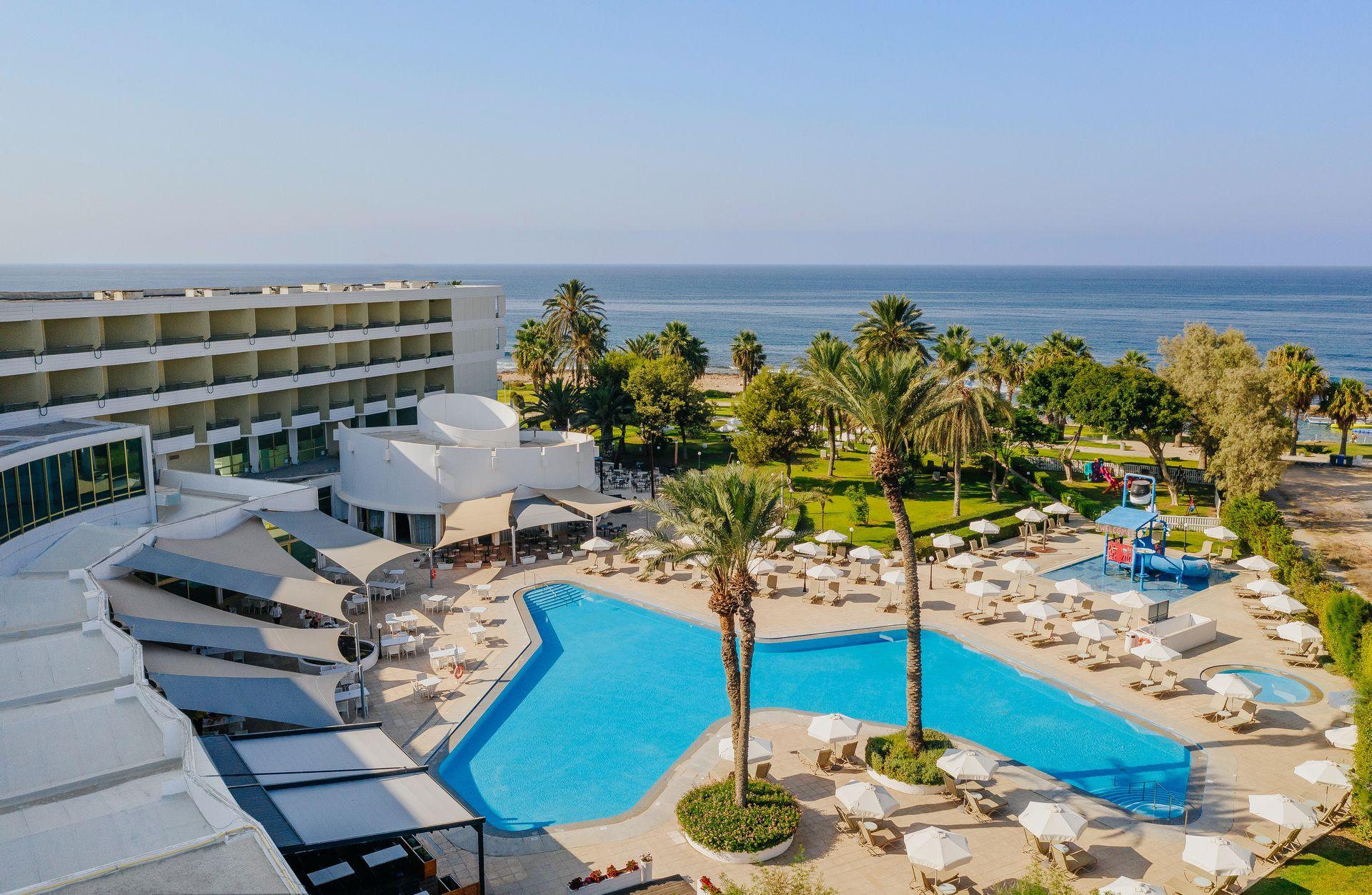 4* Louis Imperial Beach - Πάφος, Κύπρος ✦ 2 Ημέρες