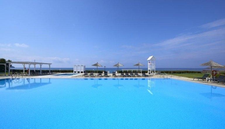 4* Tinos Beach Hotel - Τήνος ✦ -44% ✦ 6 Ημέρες (5 Διανυκτερεύσεις)