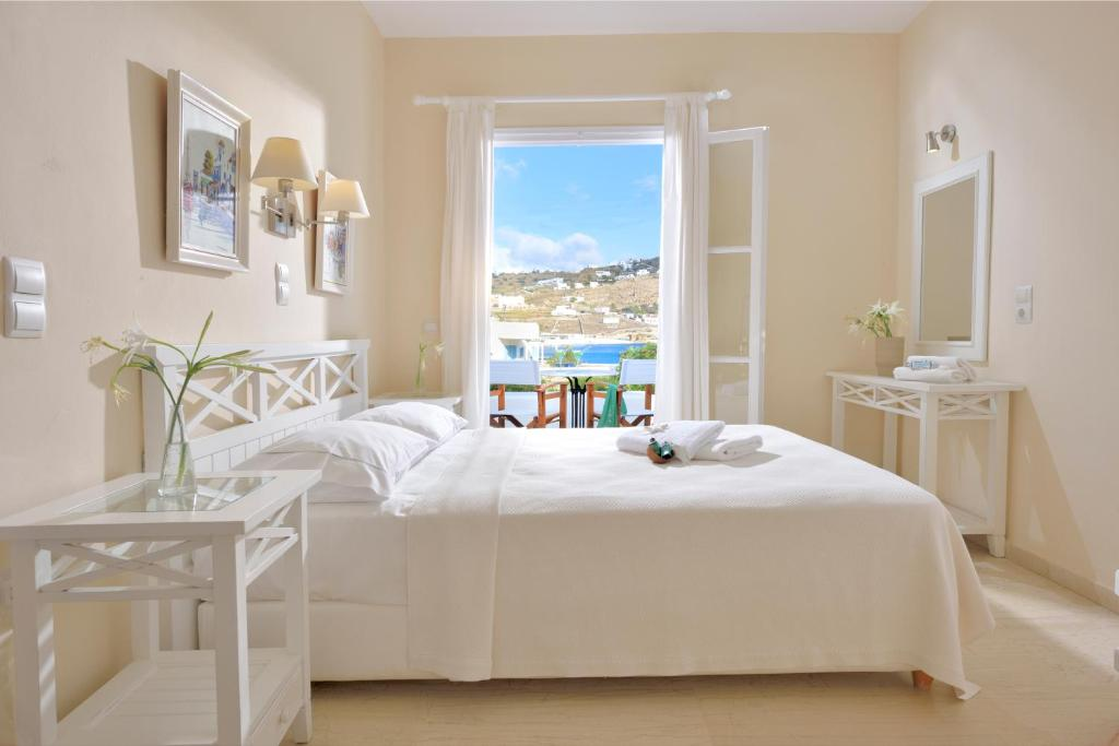 Erato Hotel Mykonos - Ορνός, Μύκονος ✦ 2 Ημέρες (1