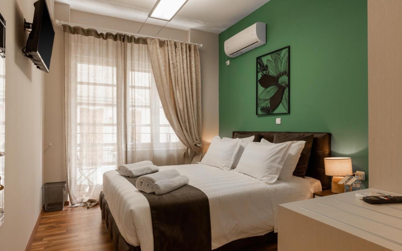 Monastiraki Urban Apartment by Bill & John Apartments