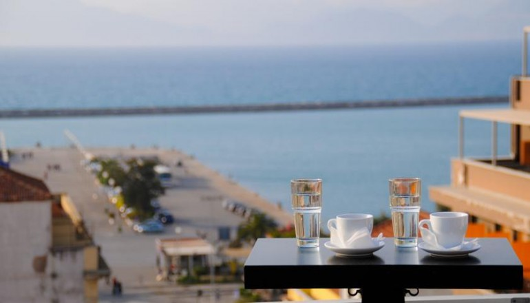 Mediterranee Hotel - Πάτρα ✦ -53% ✦ 2 Ημέρες (1 Διανυκτέρευση)