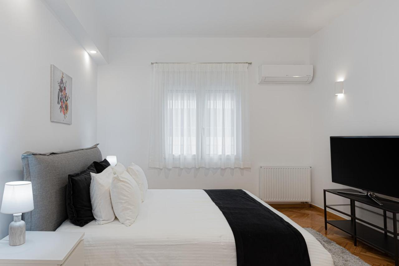Kolonaki Luxury Residence by Bill & John Apartments