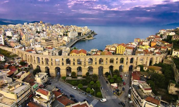 Χριστούγεννα 5 ημέρες με πούλμαν & συνοδό από Αθήνα.