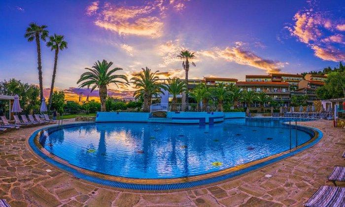 4* Lagomandra Hotel & Spa   Νέος Μαρμαράς, Χαλκιδική